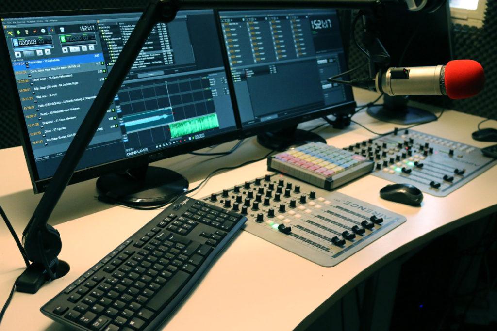 radio-studio-2